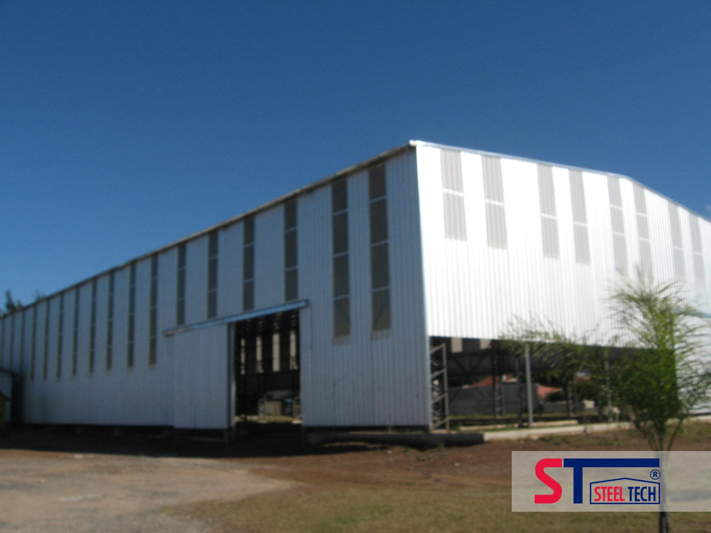 Naves industriales con cerramientos iluminacion y ventilacion for Calefactores para naves industriales